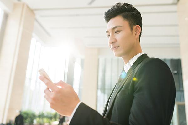 美图手机手机开机了就不停的自动重启怎么回事?