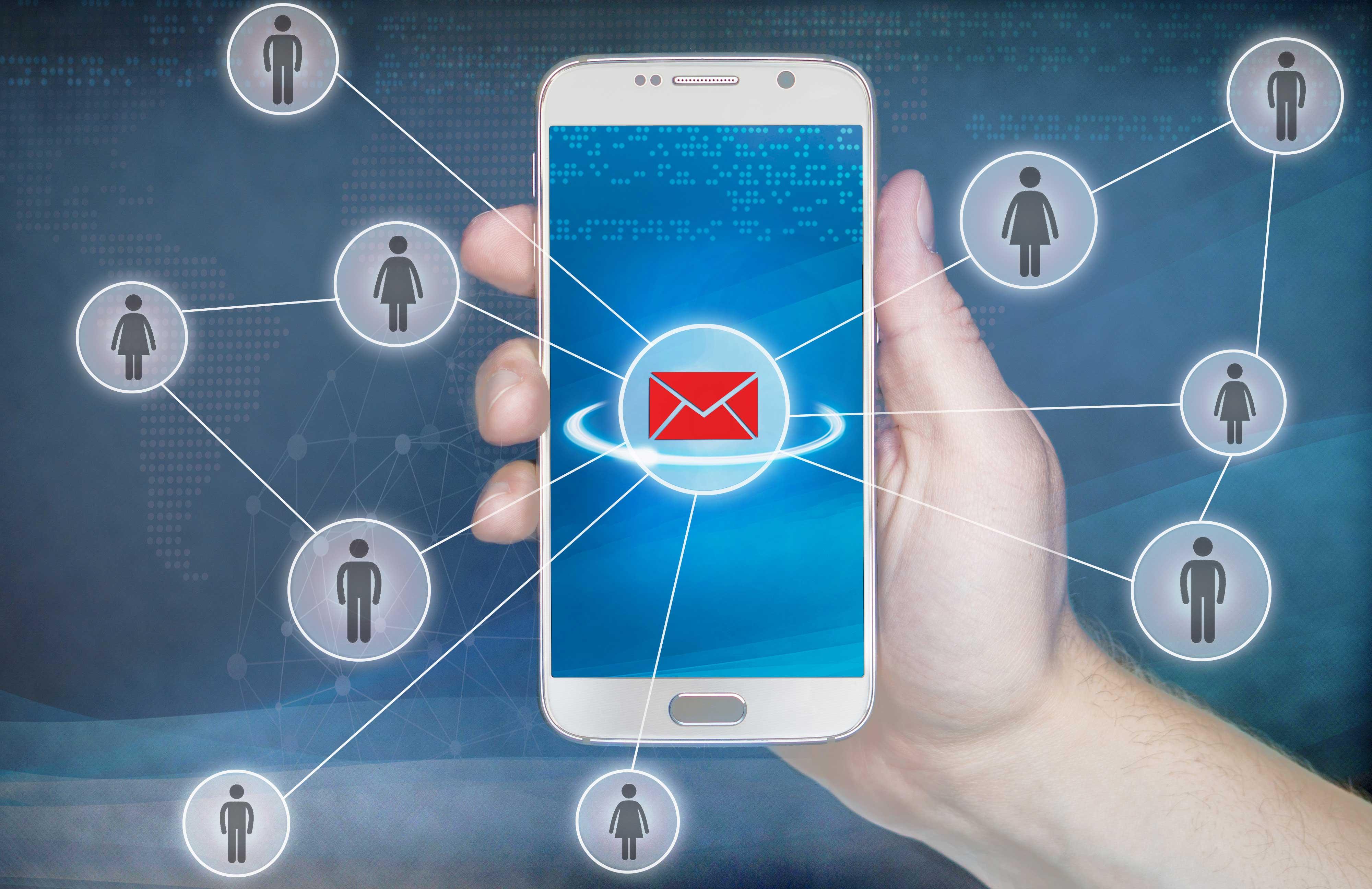 5G手机强势上市,手机市场有望重回增长轨道.