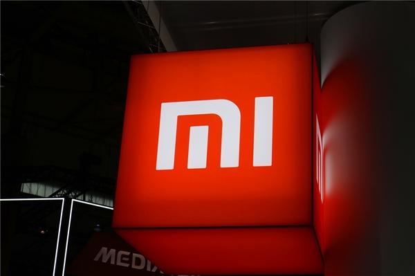卢伟冰暗示红米5G新机将发布 售价或1500元左右