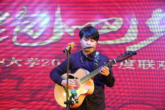 吉他彈唱《成都》
