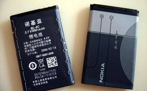 浙大研发超级电池:充电一秒钟,通话两小时!